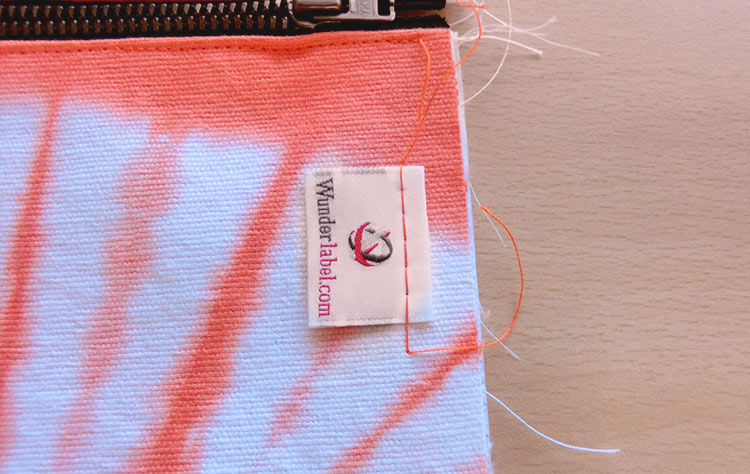 Zipper Pouch Tutorial: how to sew a makeup bag